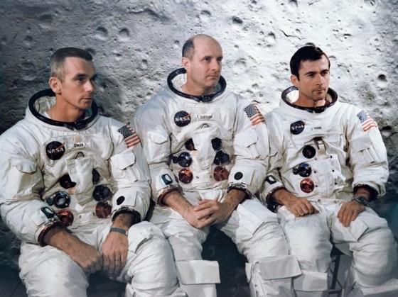 Phi hành đoàn Apollo nghe thấy 'khúc nhạc lạ' trên Mặt Trăng ảnh 1