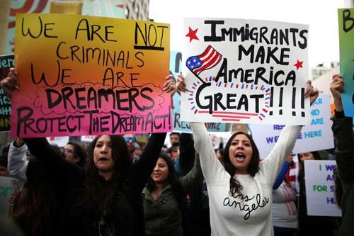 Mỹ mở rộng đối tượng bị trục xuất ảnh 1
