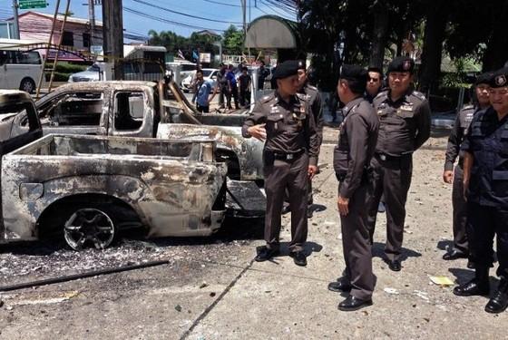 Bạo động ở Phuket ảnh 1