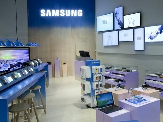 Samsung giành lại số 1 doanh số bán điện thoại ảnh 1