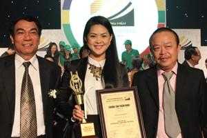 """Novaland nhận giải """"Top 10 thương hiệu nổi tiếng 2013"""" ảnh 1"""