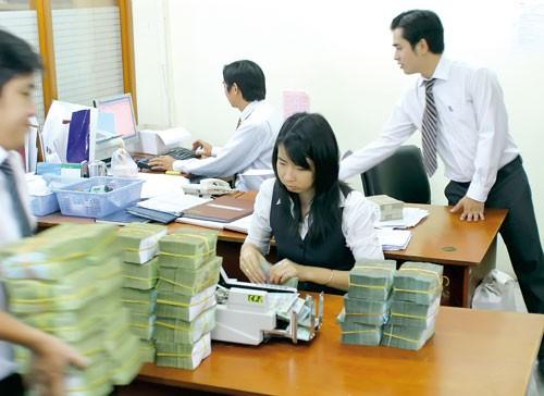 CIEM: Lập ủy ban tái cấu trúc ngân hàng ảnh 1