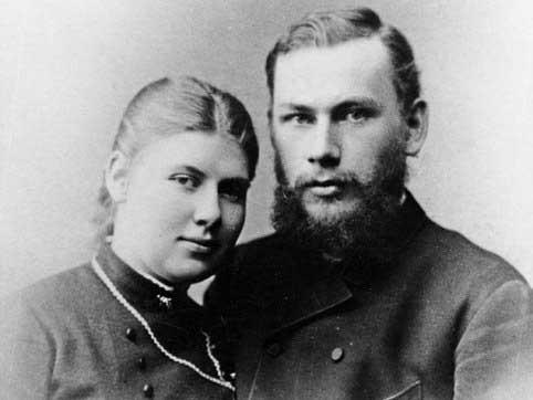 Leo Tolstoy: Hé lộ góc khuất khủng khiếp ảnh 1