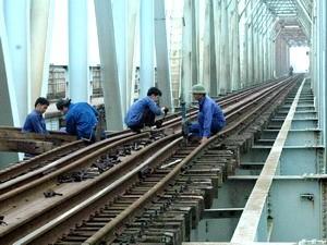 Xây thêm 8 cầu đường sắt trên tuyến Bắc - Nam ảnh 1