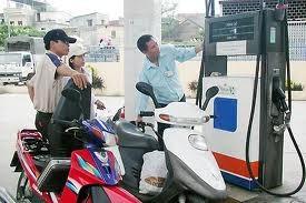 Mạnh tay xử phạt hành vi gian lận xăng dầu ảnh 1