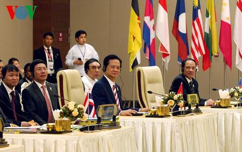 Thủ tướng kết thúc chuyến tham dự ASEAN-25 ảnh 1