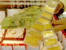 """""""Sốt"""" thanh khoản NH đẩy vàng tăng giá ảnh 1"""