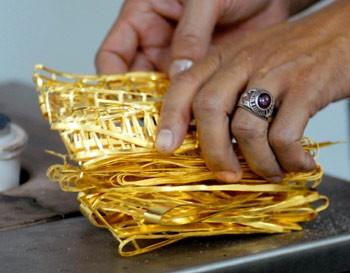 Giá vàng thế giới tăng trong tuần qua ảnh 1