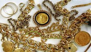 Rút tiền mua vàng: Lựa chọn thiệt thòi! ảnh 1