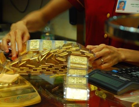 Sáng 13-3: Vàng trong nước cao hơn thế giới 5,49 triệu đồng ảnh 1