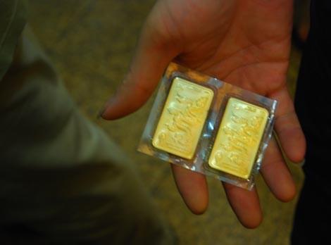 Đầu tuần, vàng SJC giảm 30.000 đồng ảnh 1