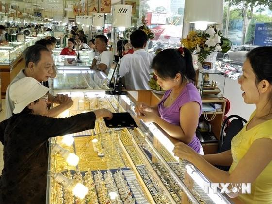 Sáng 26-8: Giá vàng trong nước giảm ảnh 1