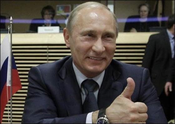 Điều khiến ông Putin cười mãn nguyện ảnh 1