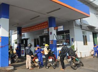 Công khai Quỹ Bình ổn xăng dầu hàng tháng ảnh 1