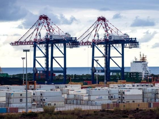 Sản xuất công nghiệp Italy giảm mạnh ảnh 1