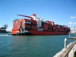 Tháng 10 thặng dư thương mại 100 triệu USD ảnh 1