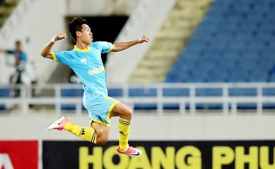 Tường thuật vòng 23 V-League 2017: Thanh Hóa giành lại ngôi đầu bảng ảnh 1