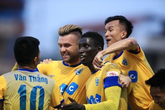 Vòng 24 V-League 2017: Thanh Hóa - B.Bình Dương 1-1 (Kết thúc) ảnh 1