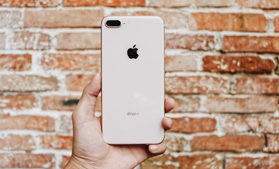 FPT Shop giao iPhone 8 đến tận nhà, trong đêm ảnh 2