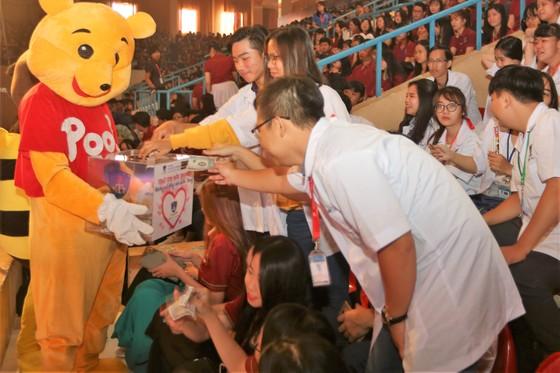 Đại học Nguyễn Tất Thành: 20 tỷ đồng học bổng cho sinh viên  ảnh 3