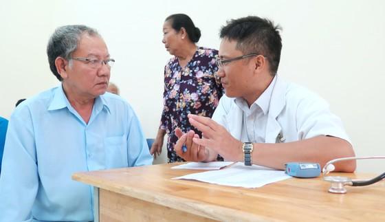 TPHCM tặng mỗi Mẹ Việt Nam Anh hùng 2 triệu đồng dịp 27-7 ảnh 2