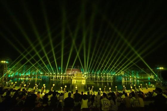 150 nông dân tham gia vở diễn thực cảnh đầu tiên tại Việt Nam ảnh 2