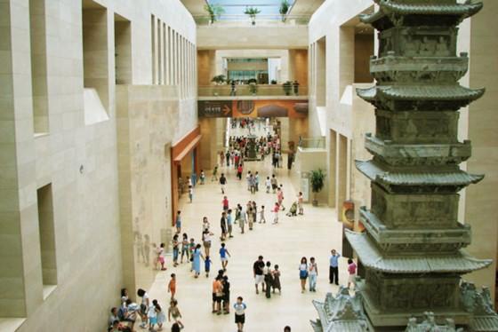 Ngỡ ngàng khi tới một trong những bảo tàng đông khách nhất thế giới ảnh 4