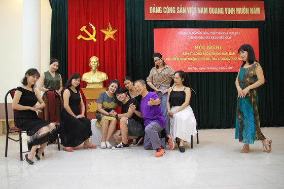 Đạo diễn Singapore dựng Hồng lâu mộng cho sân khấu Việt ảnh 1