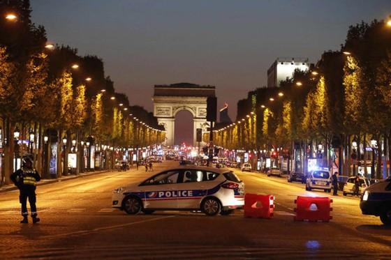 IS nhận trách nhiệm vụ nổ súng tại Paris
