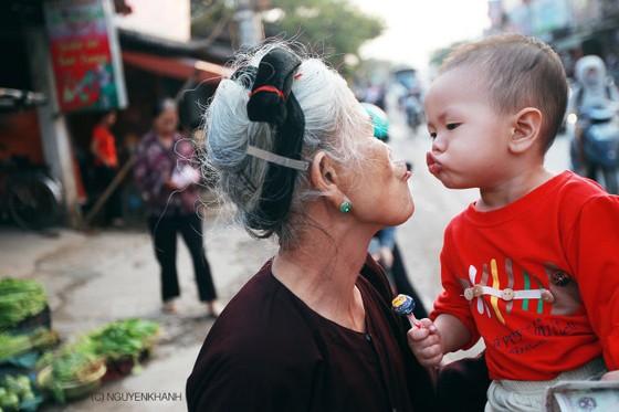 Ngắm những bức ảnh bình dị về một 'Phố xá mình yêu'