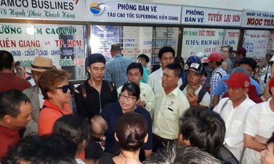 Tàu đi Phú Quốc gặp sự cố, hơn 300 khách hoảng loạn