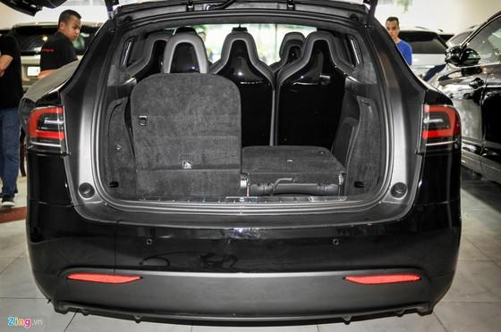 'Sieu SUV dien' Tesla Model X dau tien lan banh tai Ha Noi hinh anh 6