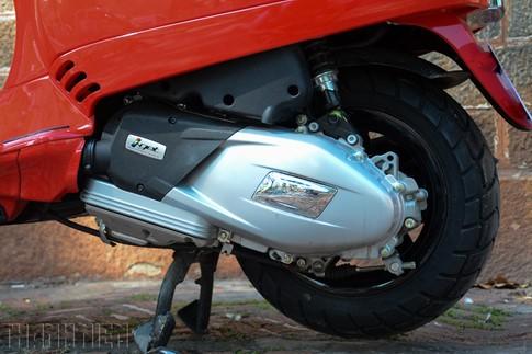 Vespa LX125 mới: khác biệt từ 'trái tim' ẩn sau hình hài cũ - ảnh 3