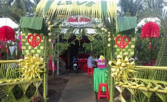 Đám cưới ngày xưa cổng toàn bằng lá dừa trở lại miền Tây Nam bộ - ảnh 2