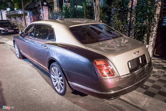 Sedan sieu sang Bentley Mulsanne EWB 2017 dau tien tai HN hinh anh 3