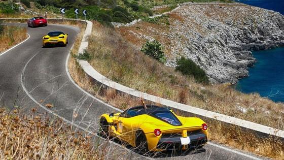 Sieu xe hiem LaFerrari Aperta hoi ngo hon 100 chiec Ferrari hinh anh 5