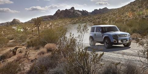 Land Rover: Người 'lạ' cũng phải mê mẩn với Defender mới - ảnh 1