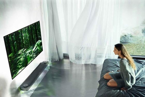 Thiết kế siêu mỏng đặc biệt của LG OLED W7 trở thành chuẩn thiết kế cho xu hướng TV tương lai