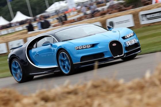Cuoc hoi ngo dan sieu xe Bugatti hon 9.000 ma luc hinh anh 4