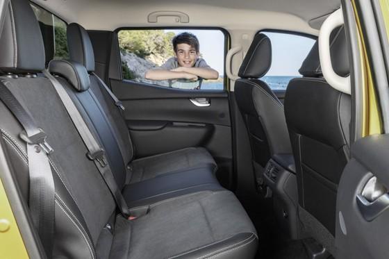Mercedes-Benz trinh lang xe ban tai hang sang hinh anh 7