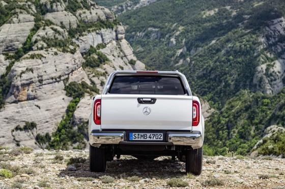 Mercedes-Benz trinh lang xe ban tai hang sang hinh anh 5