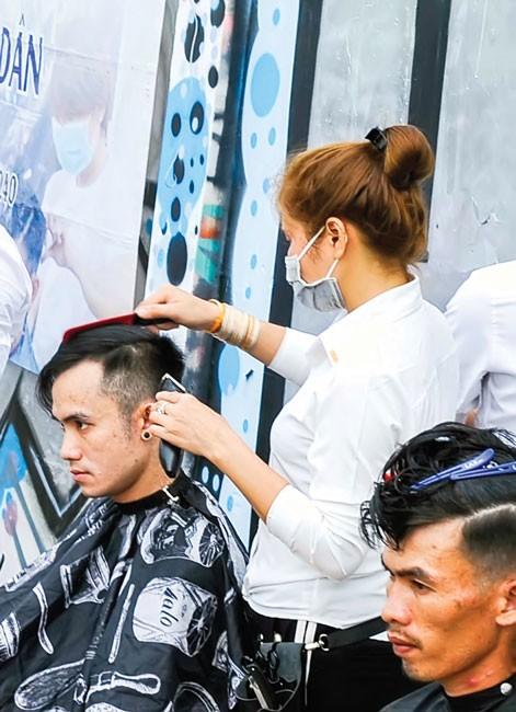 """""""Salon"""" cắt tóc miễn phí Stylist 4 Men ảnh 3"""
