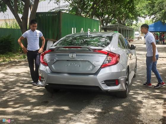 Oto moi o at do ve trien lam Vietnam Motor Show 2017 hinh anh 5