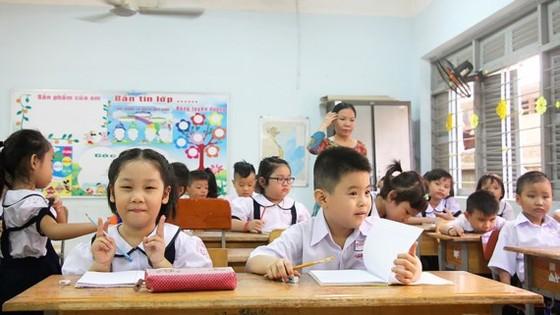 Học sinh Trường Tiểu học Nguyễn Trọng Tuyển (quận Bình Thạnh, TPHCM) trong ngày tựu trường