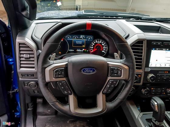 Hai xe ban tai tien ty Ford F-150 Raptor tai Sai Gon hinh anh 11