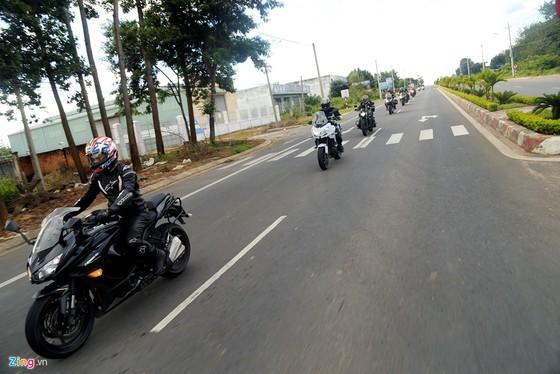 Hanh trinh 2.000 km xe doc mien Trung tren xe Kawasaki hinh anh 14