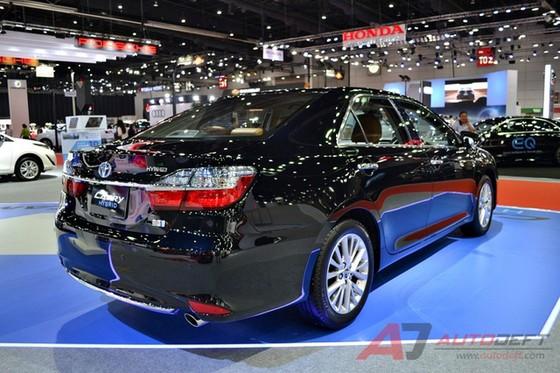 Toyota Camry 2017 được vén màn tại Đông Nam Á với trang bị tốt hơn - Ảnh 10.