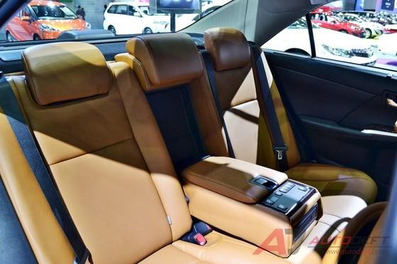 Toyota Camry 2017 được vén màn tại Đông Nam Á với trang bị tốt hơn - Ảnh 9.