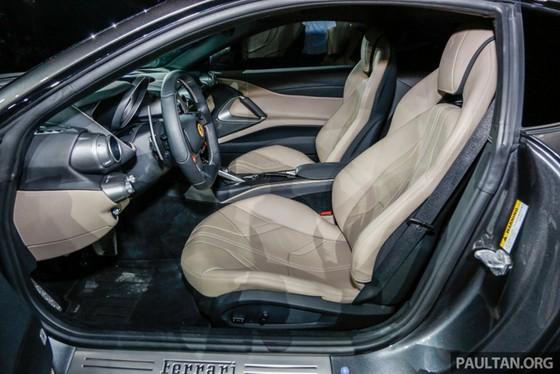 Siêu xe Ferrari 812 Superfast chính thức trình làng tại Đông Nam Á với giá chưa thuế 8,38 tỷ Đồng - Ảnh 14.