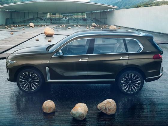 Diện kiến SUV hạng sang 7 chỗ BMW X7 iPerformance hoàn toàn mới - Ảnh 4.